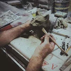 Lampada da tavolo scrivania Lattina in resina cromo Made in Italy
