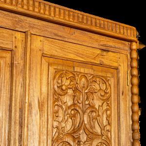 Credenza / Armadio in legno di teak recuperato balinese con ante intagliate