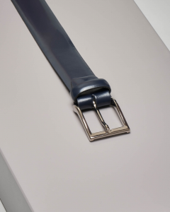 Cintura blu in pelle lucida