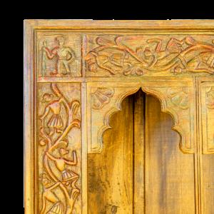 Libreria indiana con intagli tipici Dinastia Rajput in legno massello di teak recuperato