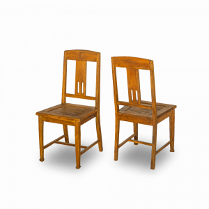 Sedia in legno di teak balinese con intaglio centrale