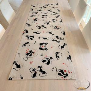 Runner - striscia  gatti neri