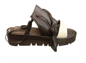Sandalo donna|pelle nera e tessuto ghiaccio| carrarmato| Made in Italy
