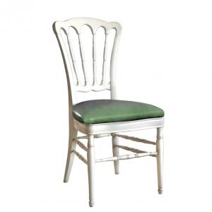 Chaise classique dossier en bois tourné