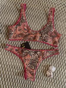 Bikini reversibile con Top e slip brasiliano fisso Mantra Effek