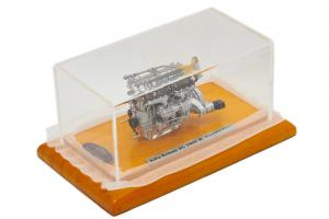 Alfa Romeo 8C 2900 B Engine 1938 1/18 CMC