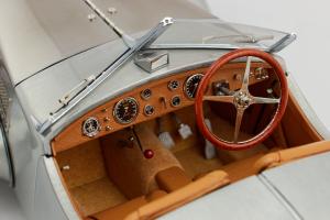 Bugatti 57SC Corsica Roadster 1938 Unlackiert - 1/18 Cmc