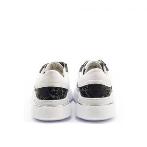 Sneaker nera Keys