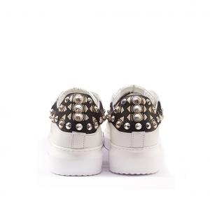 Sneaker bianca con borchie NiRa Rubens