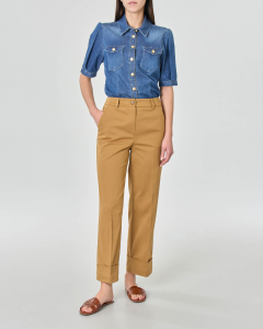 Pantaloni in gabardina di cotone colore khaki con risvolto al fondo