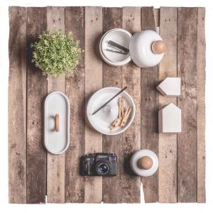 Barattolo Maggy M in ceramica bianca e legno artigianato italiano