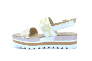Sandalo pelle con borchie