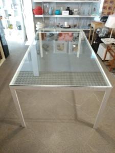 Tavolo Fractal con piano in vetro trasparente e struttura alluminio bianco, Porro