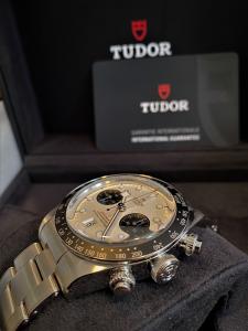 Orologio primo polso Tudor Black Bay Chrono 2021
