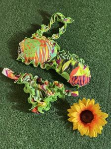 Bikini fascia monospalla e slip brasiliano fisso Roam Effek Taglia LG
