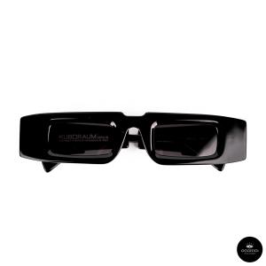 Kuboraum, MASKE X5 Black Shine