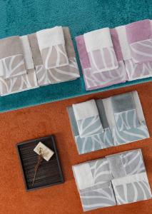 Set Asciugamani da Bagno in 100% Puro Cotone Naturale, 2 Coppie Spugne Viso e Ospite | MIRTA