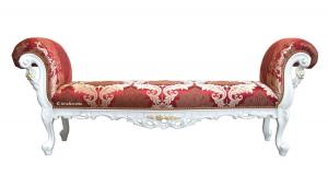 Banqueta clásica tallada con detalles dorados