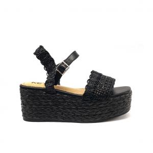 Sandalo nero con zeppa Keys