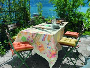 Tischdecke für 12 Personen 150x270 cm VALLESUSA ALICE Digitaldruck