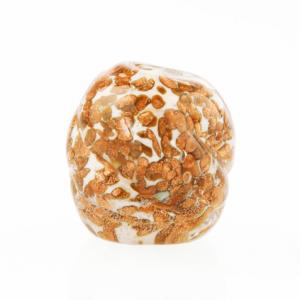 Perla di Murano melone Sommerso Ø18. Vetro bianco seta, con avventurina. Foro passante.