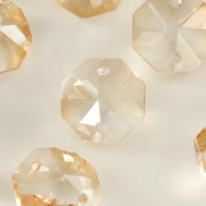 Ottagono 14 mm ambra chiaro vetro cristallo molato 16 facce 2 fori.