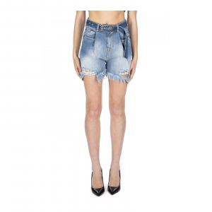 SHORT OVER JEANS