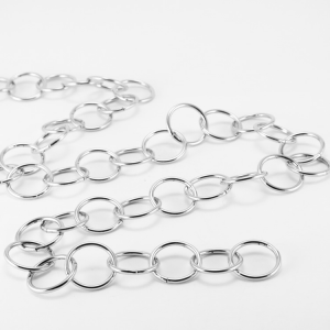 Catena metallica cromo anello maglia tonda 3,8x30 mm per lampadari