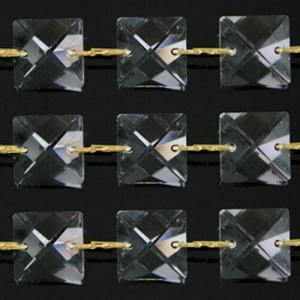 Catena quadrucci cristallo 22 mm - lunghezza 50 cm. Colore puro - clip ottone.
