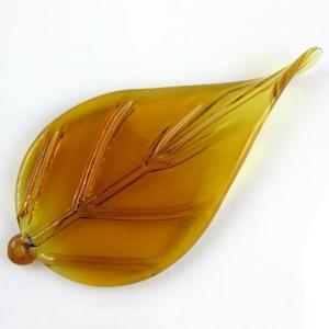 Foglia larga pendente in vetro artigianale color ambra