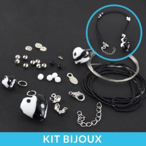 Kit per la creazione fai da te di collana con perle cuore in vetro di Murano