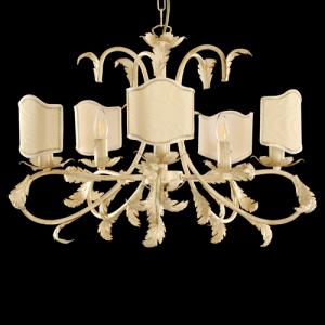 Lampadario a 5 luci con paralume, color avorio e oro con paralume tono su tono.