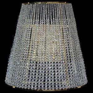 Mezzo paralume allestito con perline color cristallo in gradazione, struttura in oro lucido.