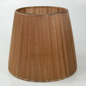 Paralume 14x10x12 cm tronco conico rivestito da organza marrone chiaro. Montatura argento attacco a molla.