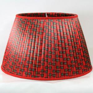 Paralume 40x26xh24 cm tronco cono in tessuto plissè con disegno scozzese color rosso. Attacco E27.