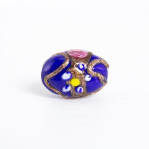 Perla blu vetro di Murano a oliva 18 mm con foro passante e decori floreali a smalto