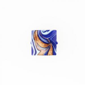 Perla di Murano schissa Fenicio Ø14. Vetro blu lapis, azzurro e avventurina. Foro passante.