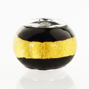 Perla di Murano stile Pandora Bicolore Ø13. Vetro nero, foglia oro. Borchia argento 925. Foro passante.