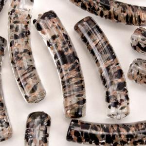 Perla di Murano tubo curvo Sommerso Ø8x40. Vetro trasparente, nero, foglia argento. Foro passante.