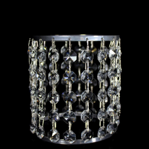 Portacandela cromo con catene di ottagoni in cristallo Ø10 x h12 cm.