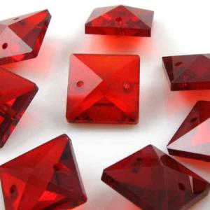Quadruccio 14 mm rosso cristallo vetro sfaccettato 2 fori