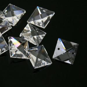 Quadruccio 16 mm cristallo sfaccettato due fori -Asfour 2020- per lampadari