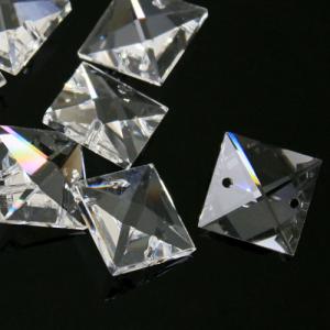 Quadruccio 20 mm cristallo sfaccettato due fori -Asfour 2020- per lampadari