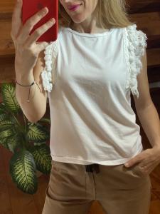 Tshirt smaccata con nappine Tensione In 2 colori