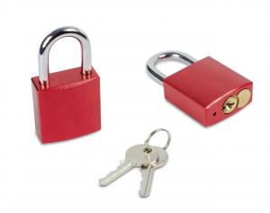 Lucchetto rosso con chiave