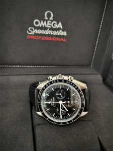 Orologio primo polso Omega Speedmaster Moonwatch Co-Axial Master