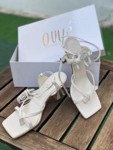 Sandalo in pelle alla schiava Ovyè