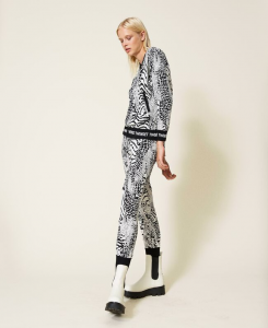 SHOPPING ON LINE TWINSET MILANO BOMBER IN MAGLIA ANIMALIER CON LOGO NEW COLLECTION PREVIEW FALL WINTER 2022
