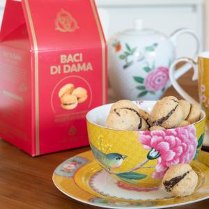Baci di dama biscuits