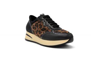 Sneaker pelle con strass